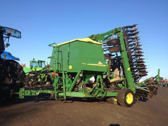 John Deere 740 A green star 8m