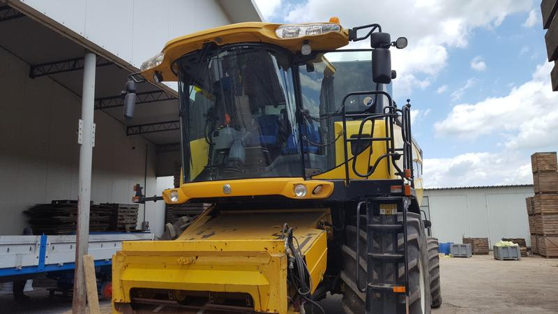 New Holland CX 8080