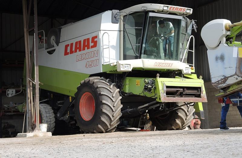 Claas LEXION 450 - HEDER 5,4 M