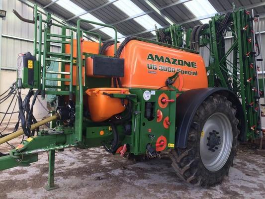 Amazone 2010  UG 3000 SPECIAL, 3000L TRAILED SPRAYER ***NOW SOLD****