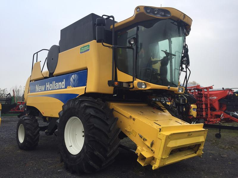 New Holland CSX7070