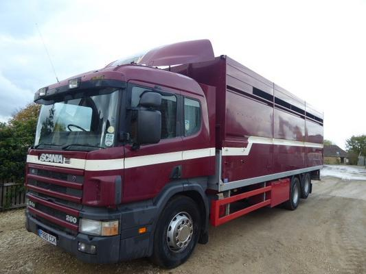 Scania  94D-260 CATTLE LORRY