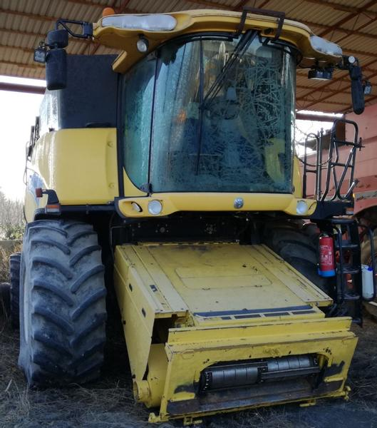 New Holland CR 90.90