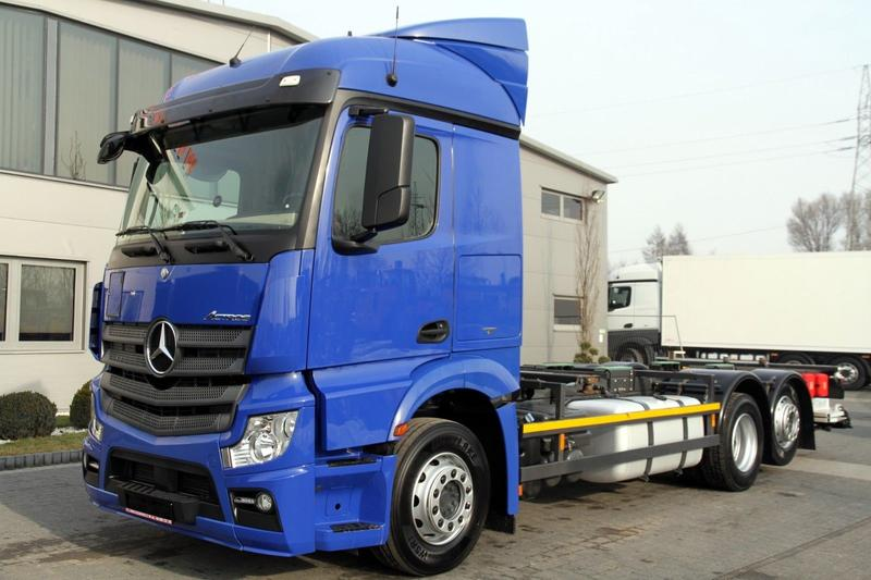 Mercedes-Benz 6x2 ACTROS 2542 L E6 BDF CHASSIS TAIL LIFT